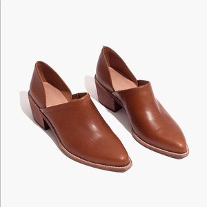 The Brady lowcut bootie in English saddle